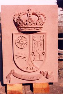 Escudo municipal de Boceguillas (Segovia). Medidas 100 X 70 cm. Piedra Rosa Sepúlveda.