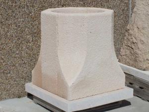 Brocal de Pozo 100 x 90 cm en piedra Rosa Sepúlveda.