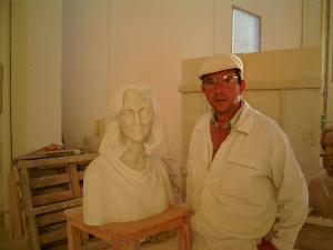 Reproducción busto de mujer, escultura de D. Juan de Ávalos. Mármol portugués