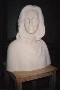 Reproducción busto de mujer, escultura de D. Juan de Ávalos. Mármol portugués.