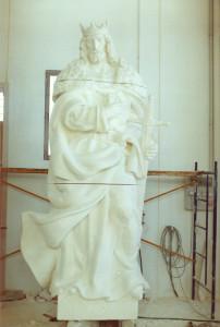 Reproducción de San Fernando. Escultura de Ramón Chaparro para la Catedral de Madrid. 3,5 m de alto. Piedra Caliza de Andalucía.