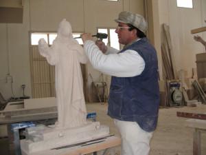 Reproducción de Santa Águeda en Piedra Rosa Sepúlveda de 90 cm. Escultura de Salvador Amaya.