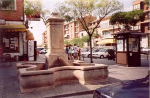 Fuente de Piedra Rosa Sepúlveda en plaza pública de Tordesillas (Valladolid).