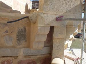Canecillo en la restauración del castillo de Turégano (Segovia).