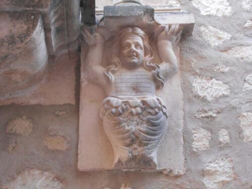 Detalle de Restauración en el balcón plateresco de la fachada de la casa del Conde de Sepúlveda en Sepúlveda (Segovia).