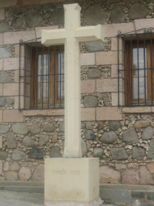 Restauración del Vía Crucis de Prádena (Segovia). Piedra de Color Crema.