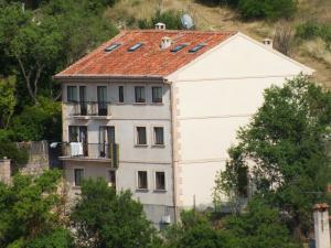 Edificio construido en la calle de subida a la Picota de Sepúlveda.