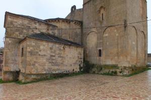 Pavimentación del entorno del Santuario de la Virgen de la Peña de Sepúlveda.