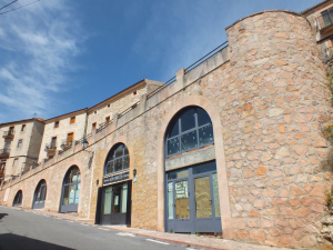 Construcción de locales comerciales en la calle Sancho García de Sepúlveda.