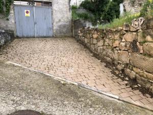 Pavimentación con adoquines.