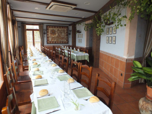 Interior de restaurante rehabilitado en Sepúlveda.