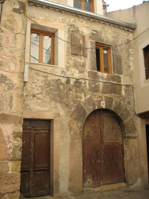 Rehabilitación de casa antigua en uno de los rincones típicos de Sepúlveda.