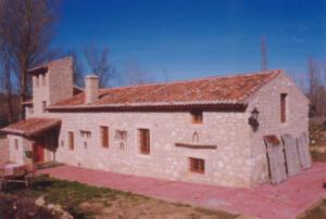 Antiguo molino rehabilitado en el Castillo de Castilnovo (Segovia).