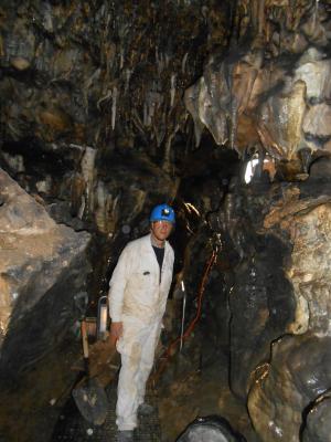 Trabajo especial en la cueva de los Enebralejos en Prádena.
