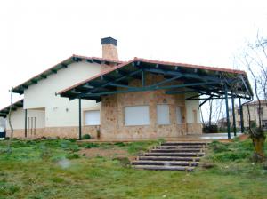 Edificio construido en Corral de Ayllón (Segovia).